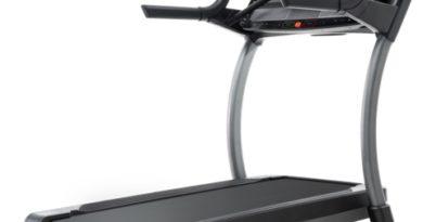 nordictrack X32i vs Peloton Treadmill